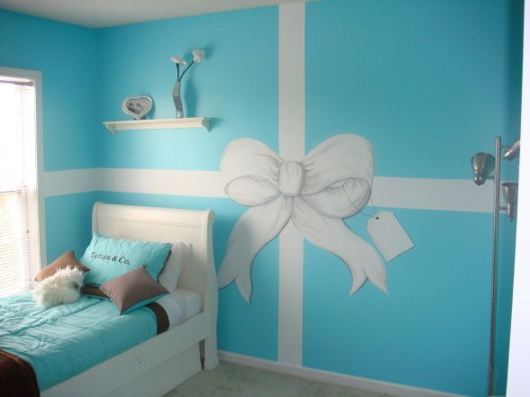 "Tiffany-Inspired Little Girl's Room from DIY user ""soketasha"""