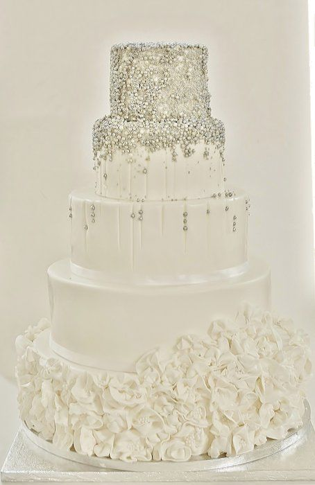 //White/silver wedding cake - by Sannastartor @ CakesDecor.com - cake decorating website #weddings #cakes