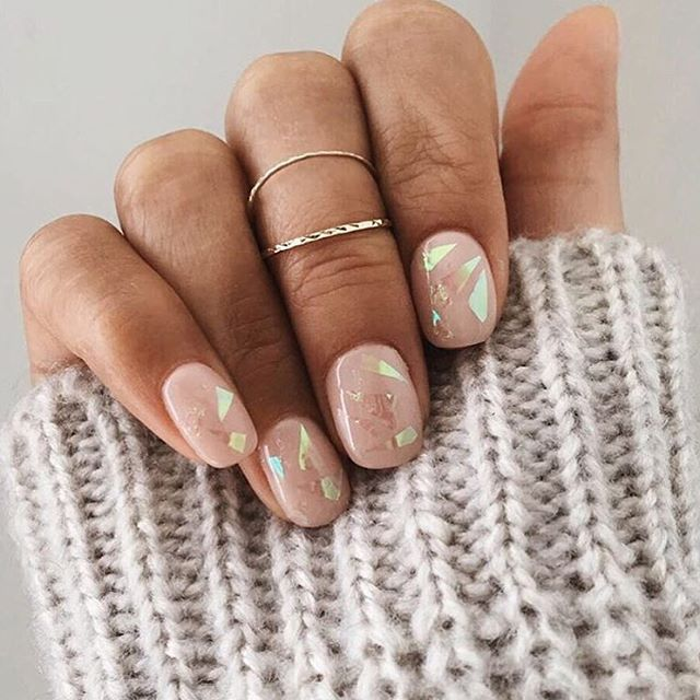 We are in loveee with our custom sheer nude + shattered glass nails mani we did for @hchiaki ⚡️⚡️⚡️ #MyManoirNails