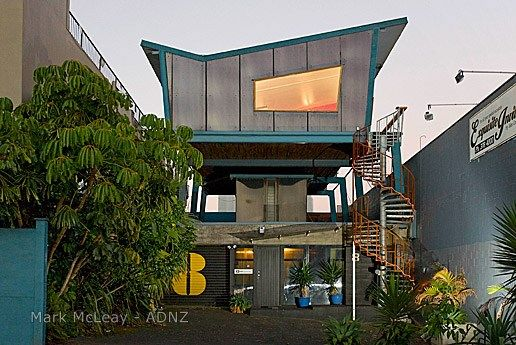 2010 ADNZ | Newton Road Studio | Resene Architectural Design Awards - National Winner (equal) designed by Mark McLeay Residential Alterations and Additions #ADNZ #winningarchitecture #retro
