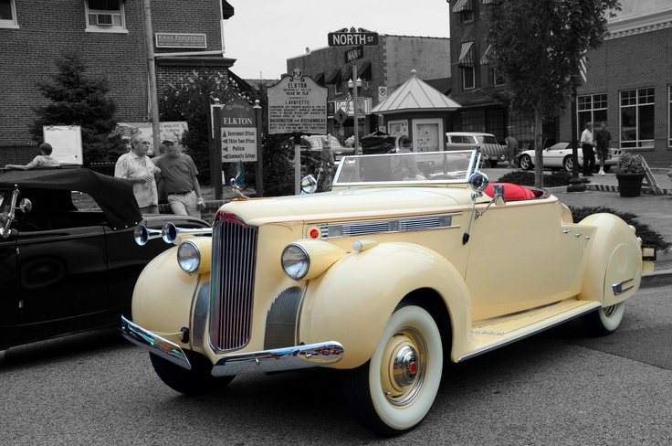 The Downtown Elkton Classic Car Show, held in Elkton, MD on the fourth Thursday of the month during the spring and summer. Photo by Mitch Lebovic.: Photo