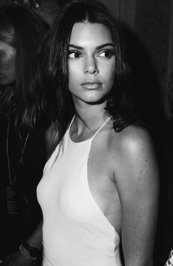 "m-a-g-n-e-t-i-c-e-y-e-s: ""Kendall Jenner """
