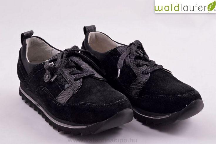 Waldlaufer női fekete zárt félcipő, cipzárral és cipőfűzővel egyaránt rendelkezik - maximális könnyedséget biztosítva felhúzásához. Waldlaufer cipők vásárolhatók a Valentina cipőboltokban és rendelhetők a webáruházunkból :)  https://valentinacipo.hu/waldlaufer/noi/fekete/zart-felcipo/147871141  #Waldalufer #Waldlaufercipő #Valentinacipőbolt