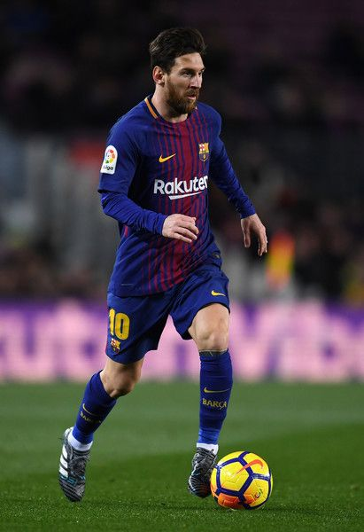 Lionel Messi of Barcelona in action during the La Liga match between Barcelona and Deportivo Alaves at Camp Nou on January 28, 2018 in Barcelona, .