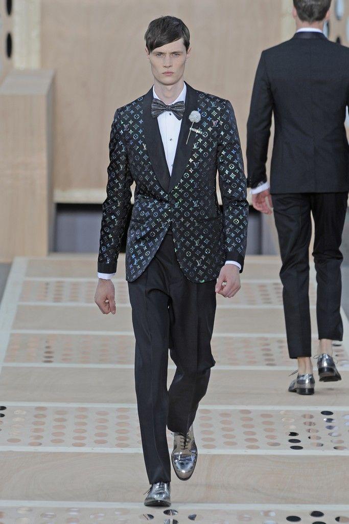 Louis Vuitton Men's RTW Spring 2014 - Slideshow - Runway, Fashion Week, Reviews and Slideshows - WWD.com