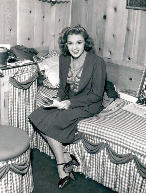 5027 Best Judy Garland Images On Pinterest  Judy Garland -1908