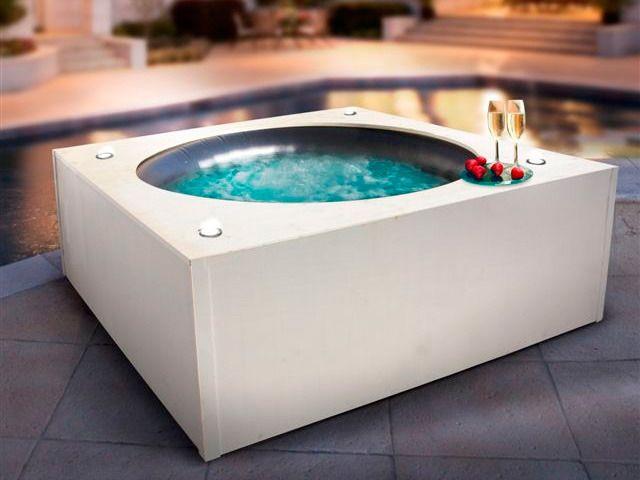 les 30 meilleures images du tableau spas spas gonflables sur pinterest jacuzzi les lieux et. Black Bedroom Furniture Sets. Home Design Ideas