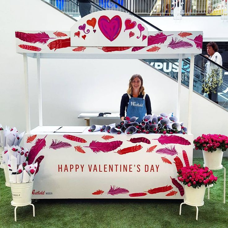 The lovely Lauren manning the @westfieldwoden Valentines Day flower booth. We had so much fun creating the whimsical art for this! Happy love day, insta-friends! ❤❤❤ .  .  #❤ #valentines #love #feathers #westfield #westfieldwoden #vm #quirky #whimsy #color #cbr #visitcanberra #style #visualmerchandising #display #retail #windowdisplay #styling #store
