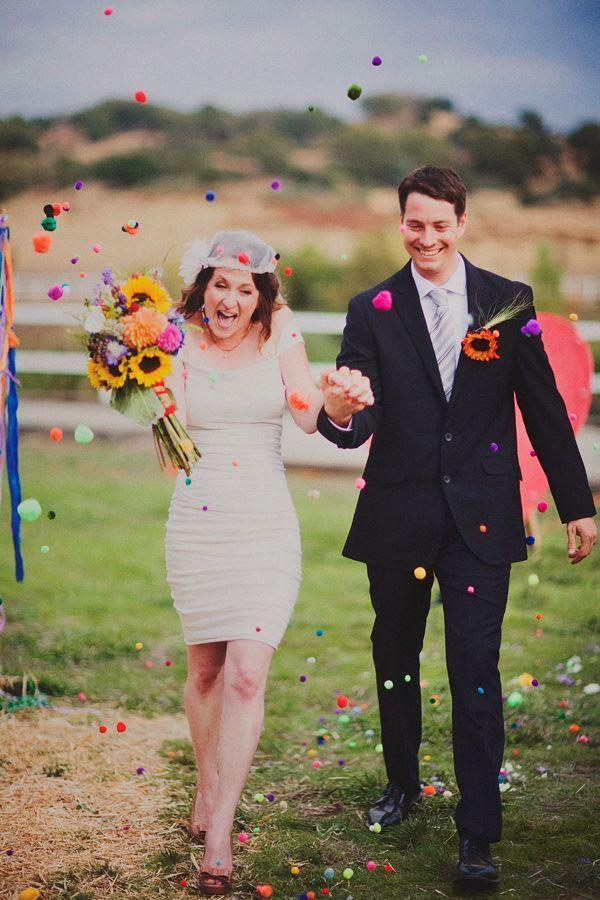 楽しそう♡ウェディングのフラワーシャワーの写真は結婚式の大切な思い出ですよね。記念に残したいブライダルフォトの一覧をまとめました♪ご参考に♡
