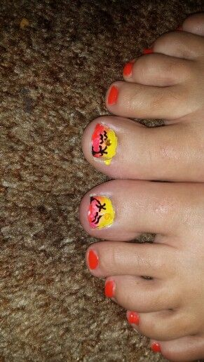 Sunset ombre nail art toes