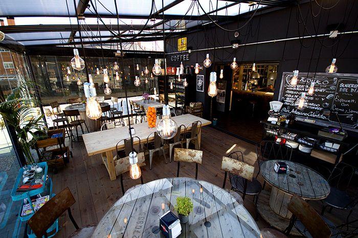 Francisco Segarra, muebles para interiorismo y decoración de bares y restaurantes.
