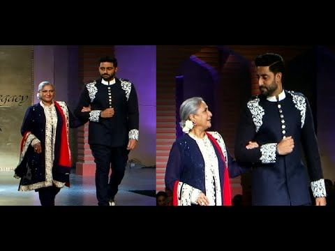 Abhishek with mom Jaya Badhuri walks the ramp at Mijwan Fashion Show 2015.