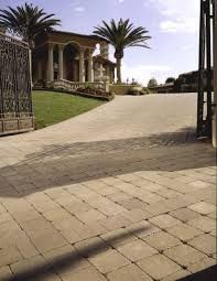 Driveway Pavers It's just fine if your inside stylistic layout and outside of your new house or redesign look like it, however in the event that you need to drive or stroll over a shabby carport to arrive, then the vision of your ideal new home could be hosed in the initial few stages. Garage