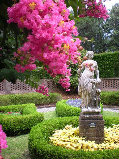 elizabethan gardening Image 03 page history don't bother trolling through all of the images on google maps about the elizabethan gardens or the lost colony play as ai spent a good two.