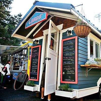 Taste journey: PortlandFrom food carts to microbrews, here are the super-stars of the Portland dining and drinking scene (via sunset magazine)