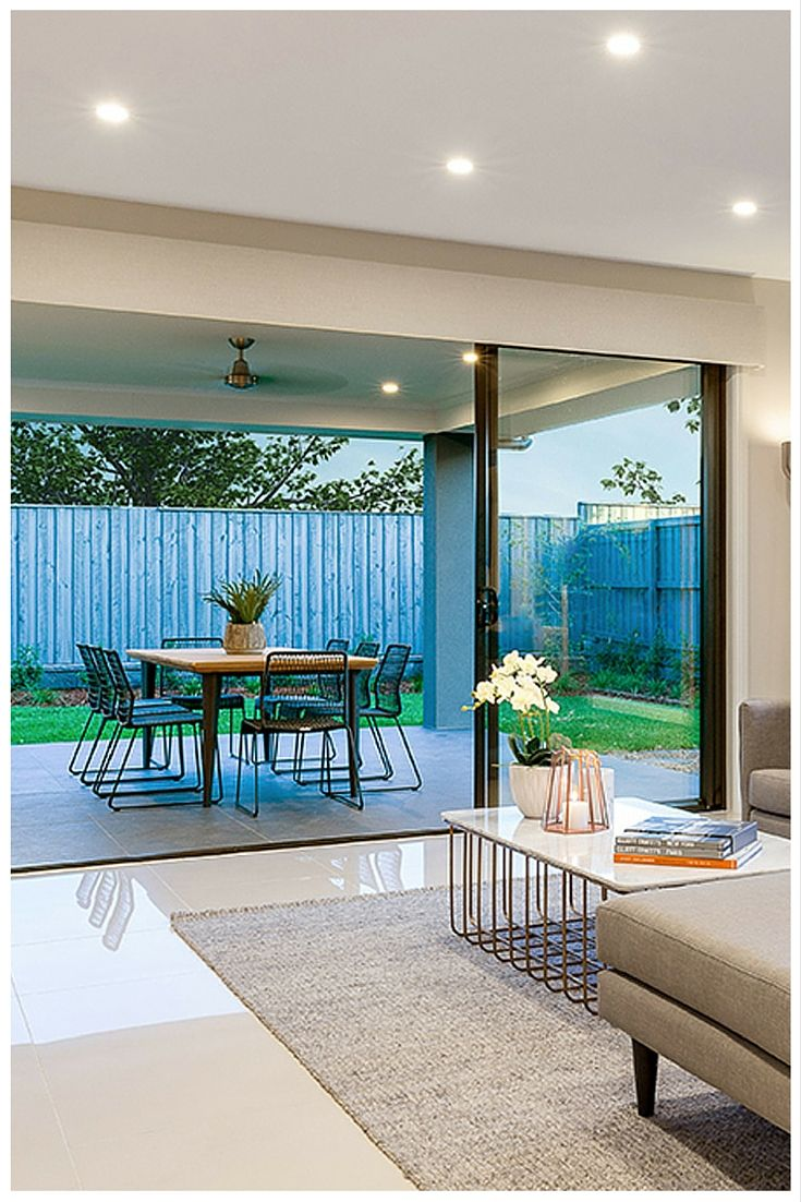 Create seamless indoor/outdoor living with a sliding stacker door from Wideline. House by Mojo Homes. www.wideline.com.au