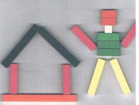 Découverte Zoom sur… les réglettes Cuisenaire #1 | Coccin'elle blogue construire des trains et les comparer, construire des tapis, construire des escaliers, construire des silhouettes/ des formes symétriques ou pas, reconnaître des réglettes les yeux fermés