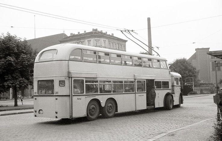549 best old buses images on pinterest. Black Bedroom Furniture Sets. Home Design Ideas