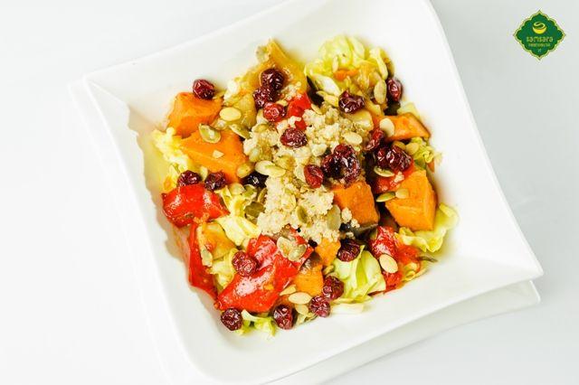 Cartoful dulce îmbunătăţeşte răspunsul imunitar şi ajută organismul să facă faţă infecţiilor virale, datorită nivelurilor înalte de carotenoizi şi betacaroten (care, în organism, se transformă în vitamina A). Este util în tratamentul unor afecţiuni în care răspunsul imunitar este compromis, măreşte rezistenţa la infecţii şi contribuie la menţinerea unor niveluri de energie optime.
