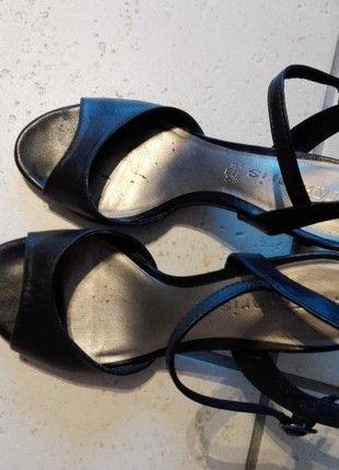 Kaufe meinen Artikel bei #Kleiderkreisel http://www.kleiderkreisel.de/damenschuhe/sandalen/163004567-tamaris-leder-sandaletten-schwarz