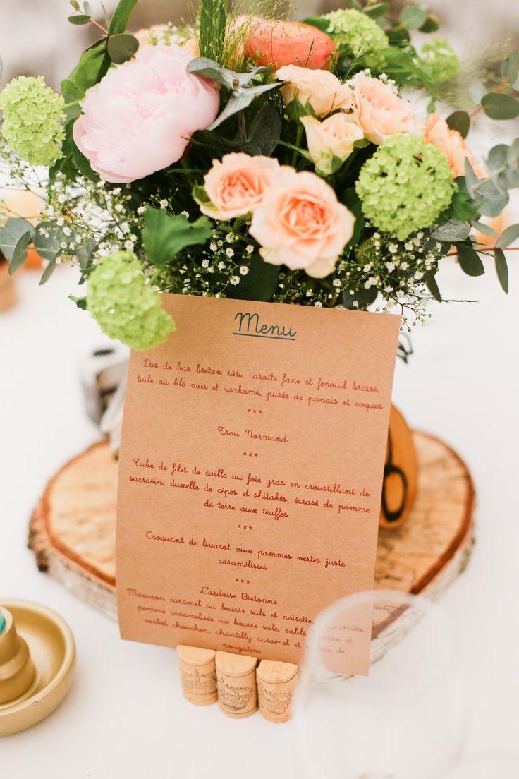 Amandine Ropars Photographe - #mariage #wedding #photographe #bretagne #love #lovesession #décoration #déco #table #menu #fleurs #bouquet #flowers #bois #salle