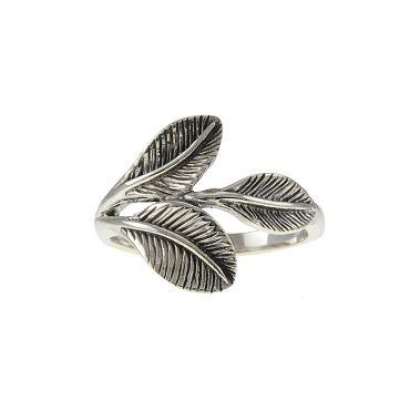 Elegant Sterling silver ring with leaf patterns. Item number: STR030