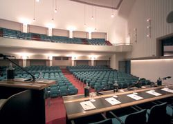 In the heart of the Church Palace the Bachelet auditorium can accommodate over 500 people in its 400 square meters - The Church Palace