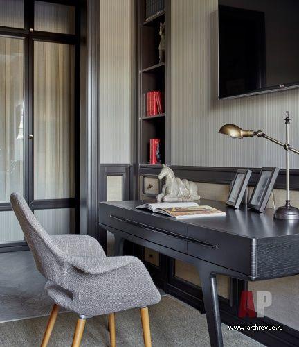 Фото интерьера кабинета квартиры в стиле фьюжн
