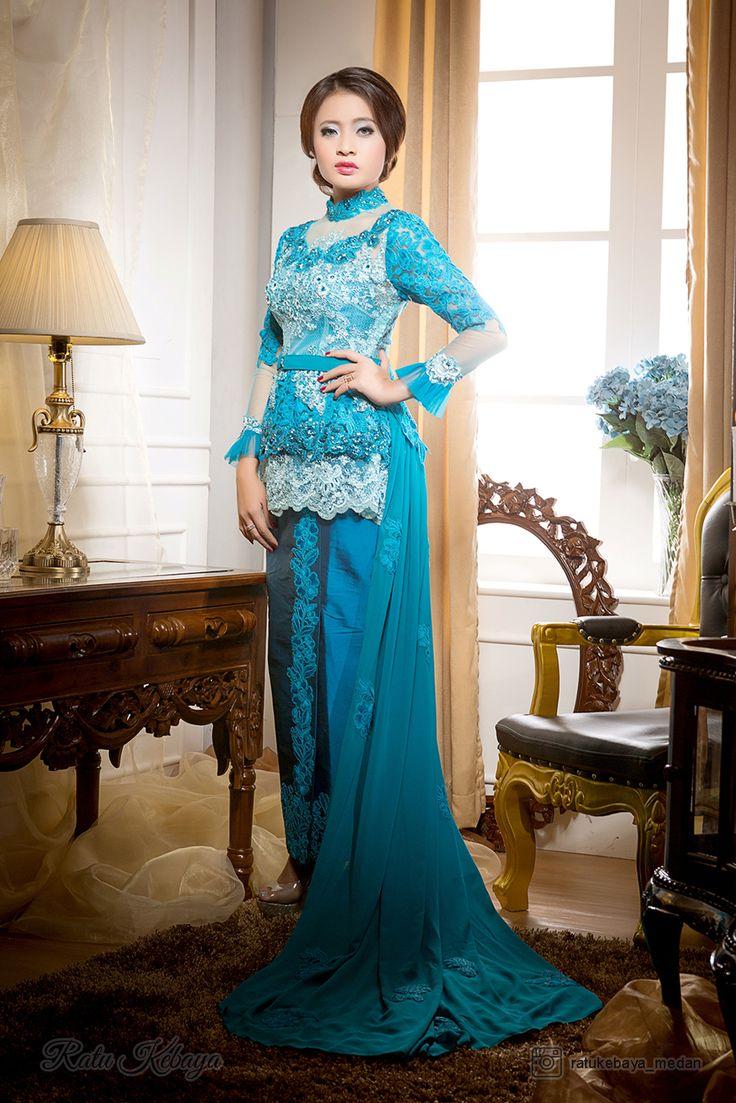 Salah satu rancangan Ratu Kebaya. More info, visit our IG @ratukebaya_medan