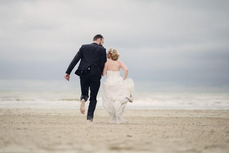 Mariage ambiance nature, ttd plage, trash the dress, mariage à la plage, photographe julien briche, la suite sur le blog : http://lamarieeencolere.com/2014/10/mariage-ambiance-nature/