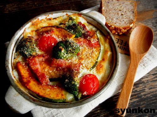 【簡単!!】フライパン1つで*野菜とベーコンのマカロニグラタンと、レシピブログmagazine |山本ゆりオフィシャルブログ「含み笑いのカフェごはん『syunkon』」Powered by Ameba