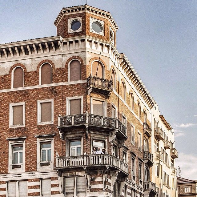 Goran, Tiziana e France vi salutano dal terrazzo della #GoranVilerHairSpa. #GoranViler #HairSpa #Trieste