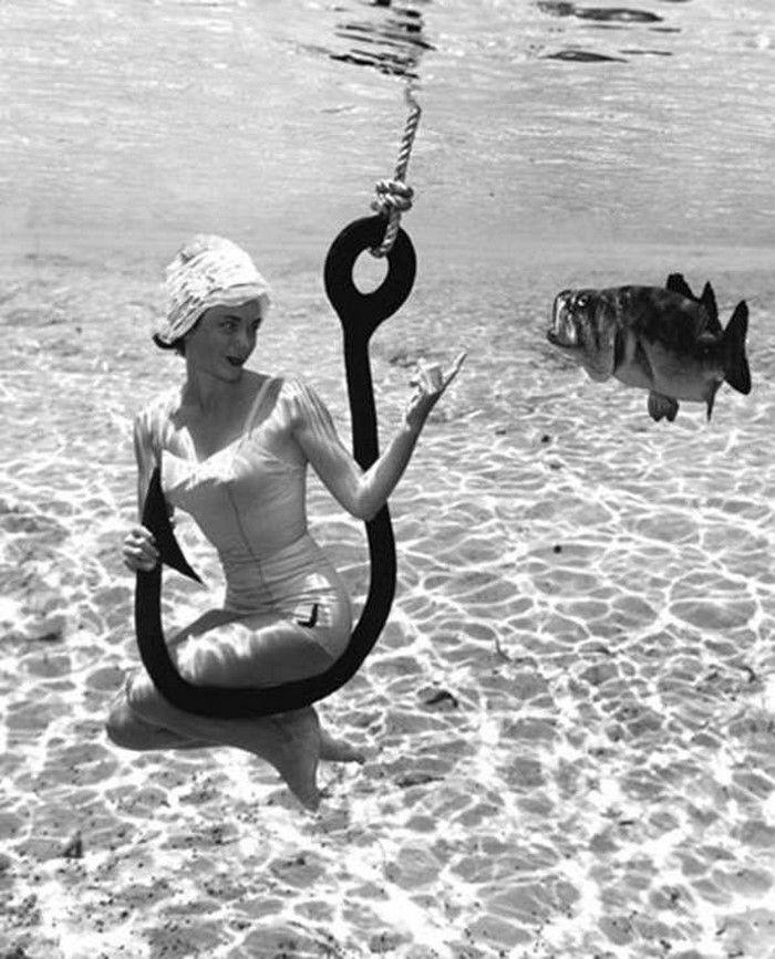 Fotos vintage incríveis de pin-ups embaixo d'água