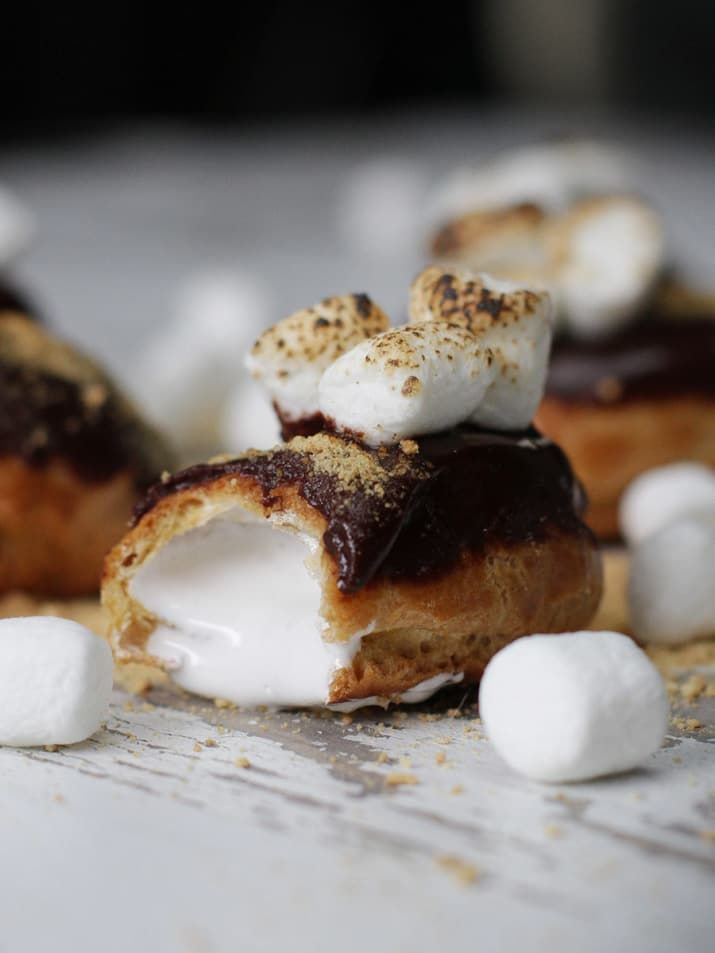 How To Make The Cutest Mini S'mores Éclair