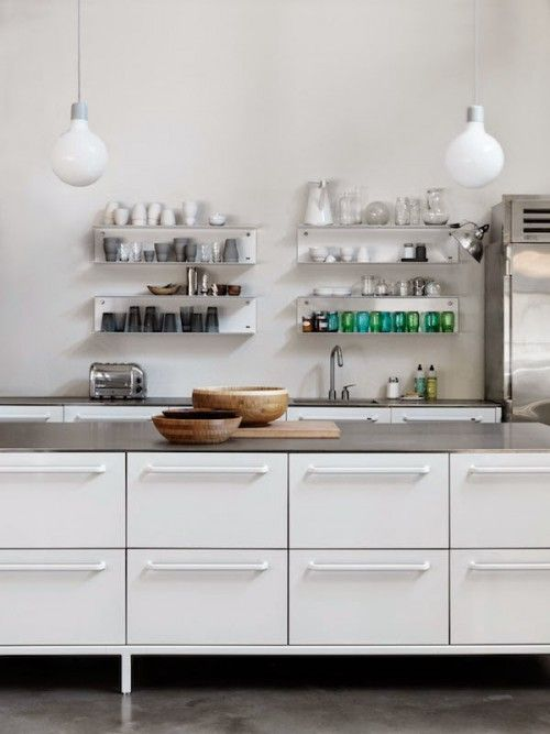 Witte stalen keuken