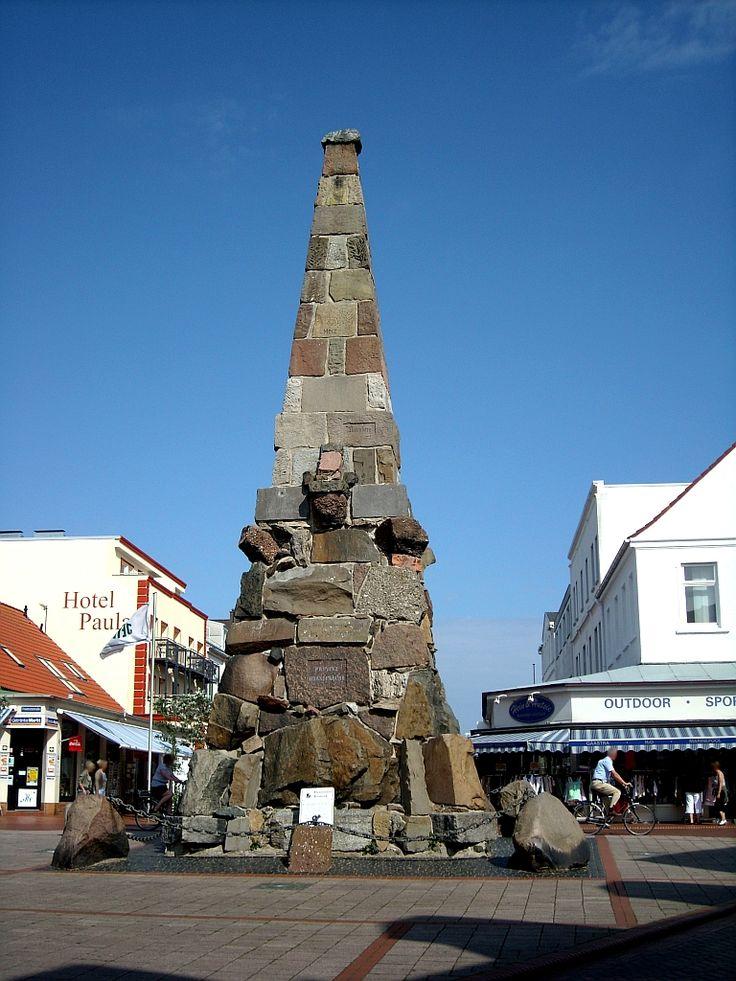 Kaiser-Wilhelm-Denkmel - erbaut aus Steinen aus 61 Städten, u.a. aus der Kölner Stadtmauer