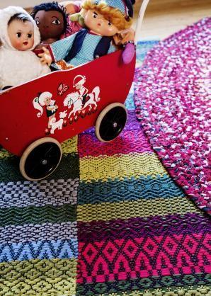 Carpet Karkki, design Annukka Mikkola 2014, weaving Tea Rahkamaa - Mattoja monin tavoin - Annukka Mikkola, Tea Rahkamaa, Ritva Kurittu-Kalaja, Julia Weckman - #kirja