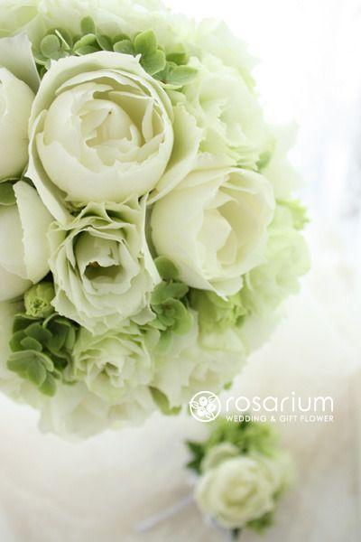 昨日、トルコキキョウがかわいいですよ、とお勧めしたので、今日も。今日のはグリーンのトルコキキョウです。ライム系のグリーンの分量が多いブーケをご希望の花嫁様にお…