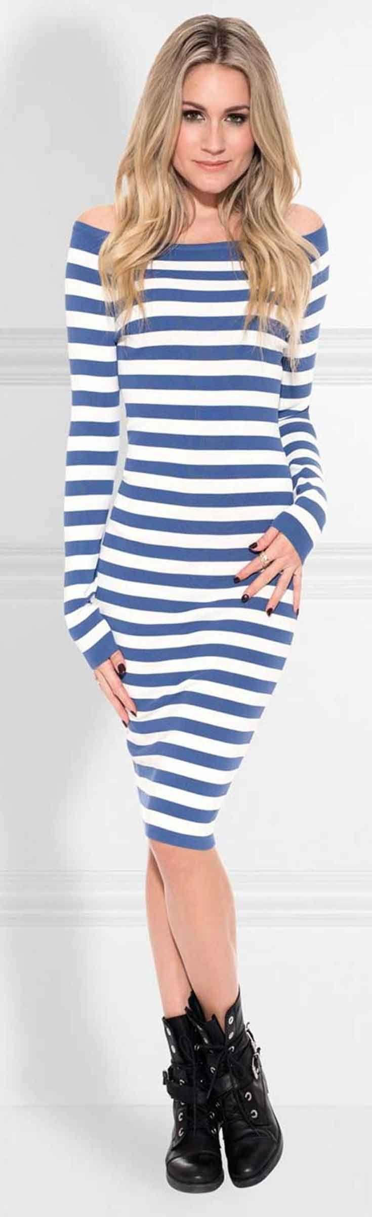 Nikkie Jolie Offshoulder Dress. Deze fijngebreide jurk met streepdessin heeft veel stretch. De jurk is casual, maar tegelijkertijd ook vrouwelijk en sexy.  Nieuwsgierig naar de rest van de collectie winter 2018 van Nikkie Plessen? Check onze webshop @ https://www.nummerzestien.eu/nikkie/