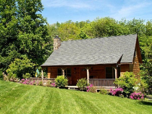 Best 25 nc mountain cabin rentals ideas on pinterest for Cheap cabin rentals in asheville nc