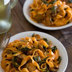 Red Pepper Pasta with Mushrooms and Spinach — Punchfork