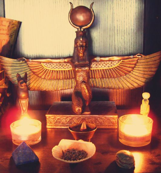 111 Best Images About Altars: 40 Best Images About Daily Magic And Rituals On Pinterest