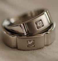 """ Cincin Kawin 12 "" spesifikasi   : #bahan ( palladium ) #berat ( 10 gram ) sepasang #berlian kotak ( 0,10 ct 2 butir ) #harga ( Rp. 5.500.000,- ) sepasang"