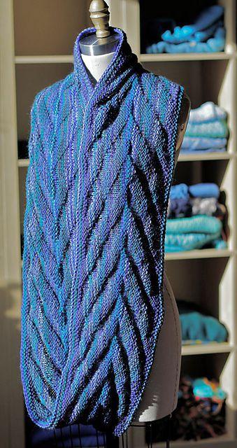 Arrowhead Cowl Free Knitting Pattern