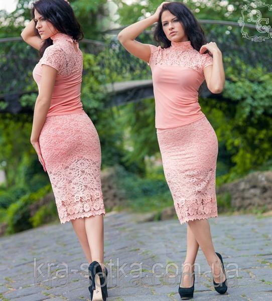 Нежно розовый костюм женский
