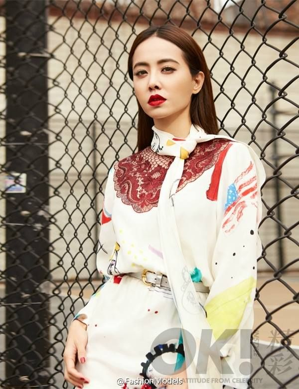 Shot in New York City, Jolin Tsai is looking great in Marc Jacobs collection for OK! magazine. But they should do a better hairstyle for her. Don't you think so?