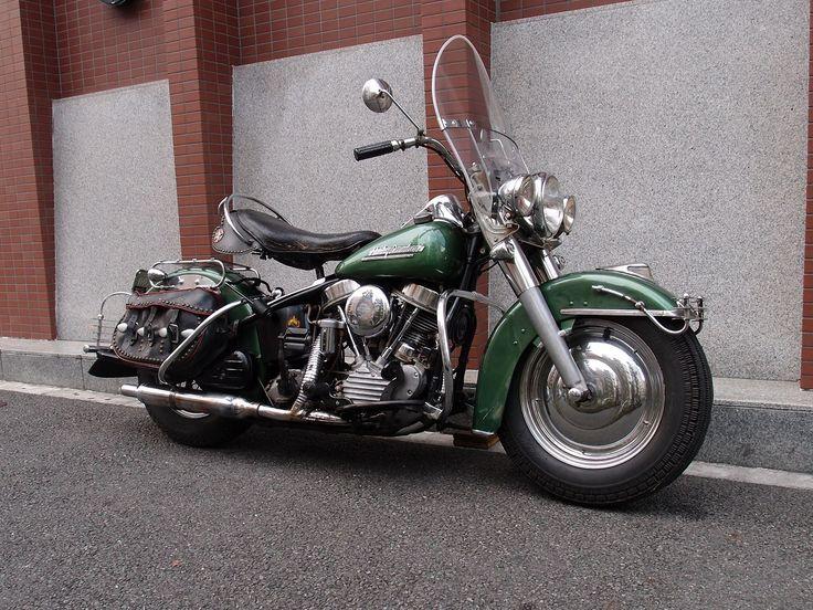 '51FL Owner 黒川さん  '51FLのオリジナルペイントです。オプションカラーのメタリックグリーン。この車両も完璧ですね。