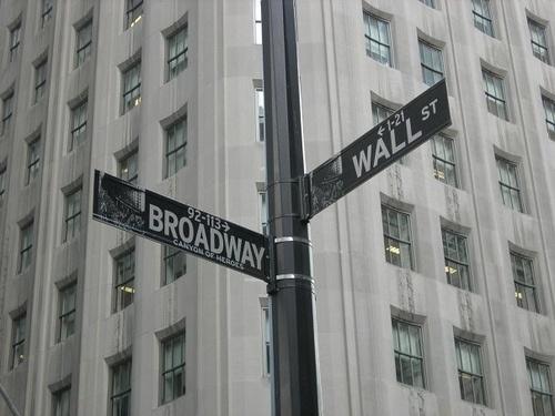 Vägkorsning på Manhattan by Flygstolen, via Flickr #USA #Travel #Resa #Resmål #New #York #NewYork #CIty #NYC #NewYorkCity #Broadway #WallStreet #Wall #Street