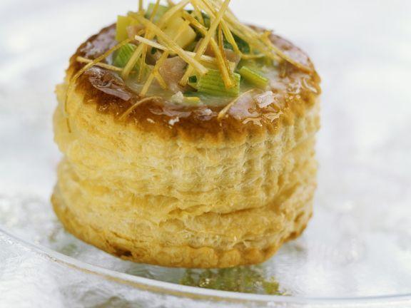Mini-Pastete mit Lauch, Schinken und Cheddar ist ein Rezept mit frischen Zutaten aus der Kategorie Pastete. Probieren Sie dieses und weitere Rezepte von EAT SMARTER!