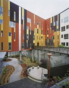 Жилой комплекс для пожилых Armstrong Senior © Brian Rose